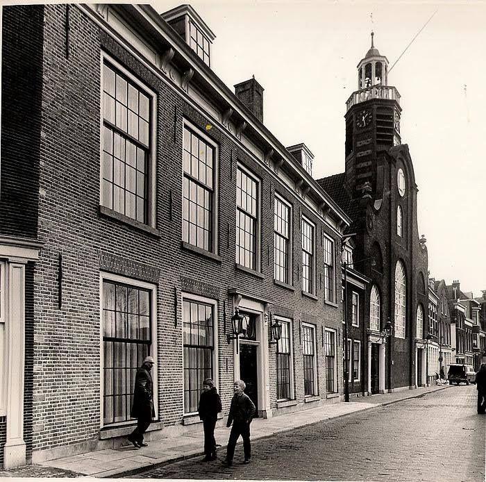 Rotterdam Delfshaven - Aelbrechtskolk met Oude of Pelgrimvaderskerk