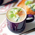 Een heerlijk recept: Pastinaaksoep met appel gerookte forel en roquefort