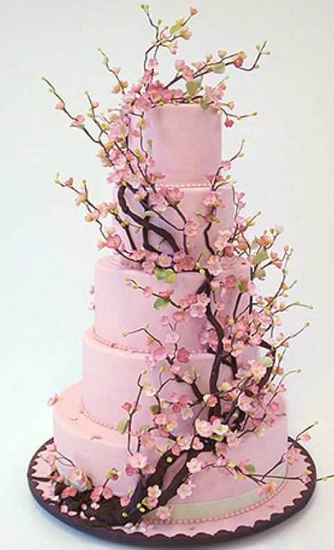 16 Ridiculously Over-The-Top Wedding Cakes
