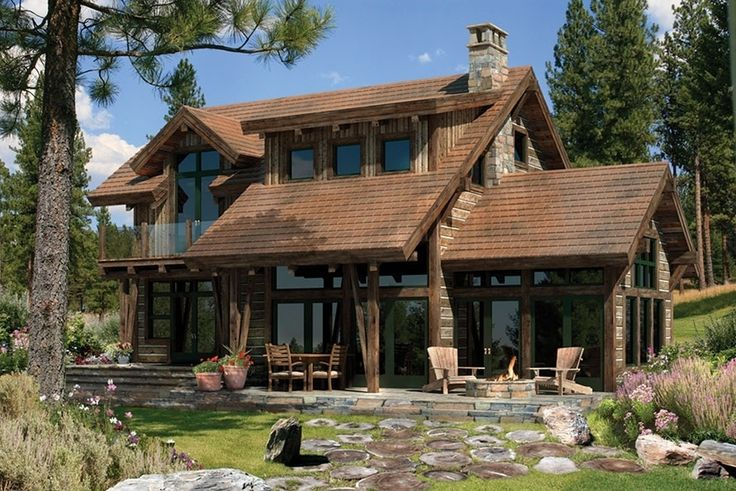 Casa-rustica-de-madera-campestre-bonita-y-chimenea-de-piedra