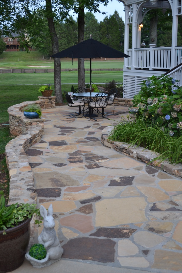 Tennessee flagstone patio love the rabbit exteriores pinterest decoracion rustica - Decoracion exteriores patios ...