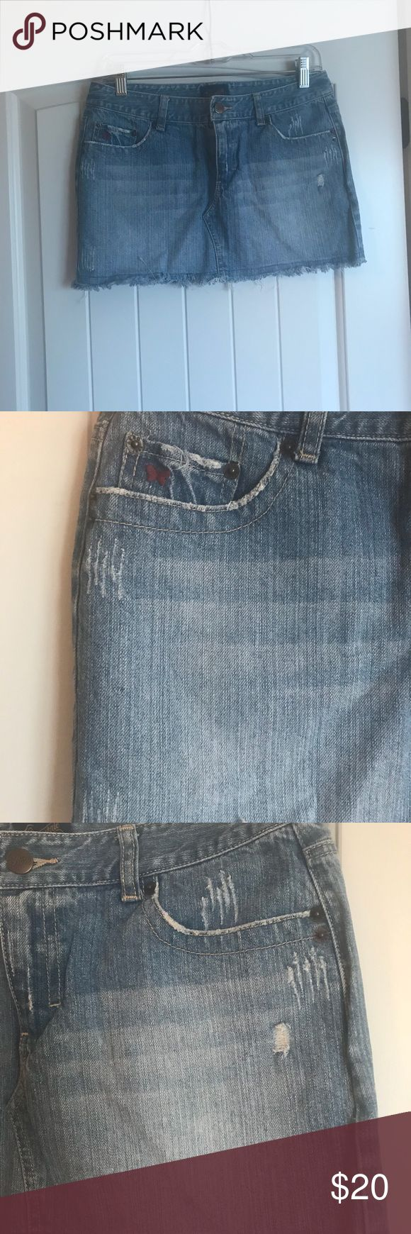 "Aeropostale like new Jean mini skirt size 5/6 Aeropostale like new Jean mini skirt size 5/6 worn once. 12"" long Aeropostale Skirts Mini"