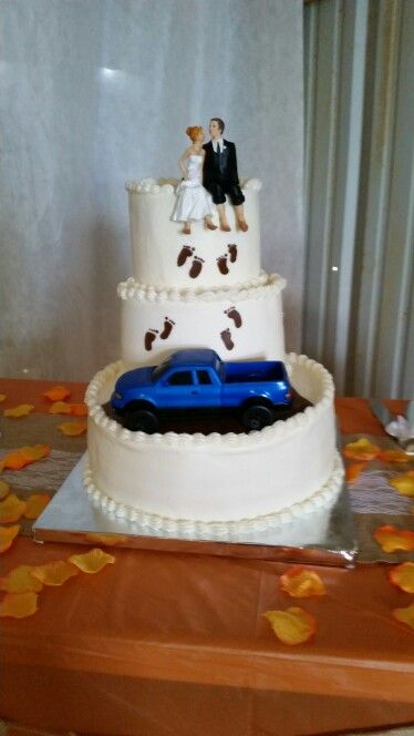 Mudding wedding cake