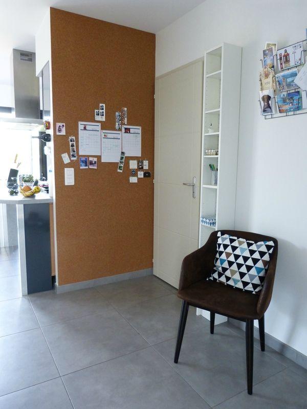 les 25 meilleures id es de la cat gorie mur de li ge sur pinterest home office am nagement. Black Bedroom Furniture Sets. Home Design Ideas