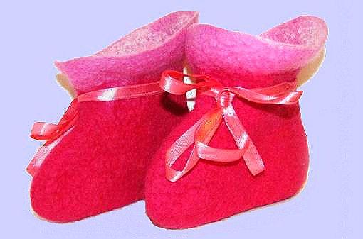 Как свалять уютные носочки http://www.kakprosto.ru/kak-907836-kak-svalyat-uyutnye-nosochki