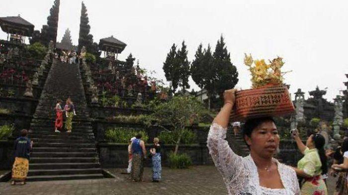 Status Gunung Agung Naik jadi Awas, Penduduk dan Turis Tak Boleh ke Pura Besakih