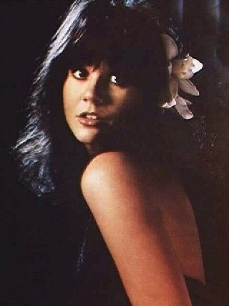 Linda Ronstadt  - always loved flowers in her hair!