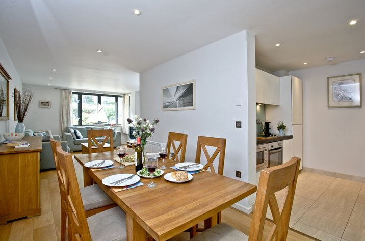 Open plan living at Raymar House, Dartmouth £1966 - not sure, small courtyard garden out back
