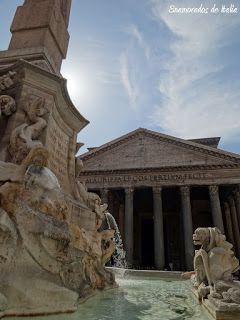 La fuente en Piazza della Rotonda, delante del Panteon de Agripa, Roma.