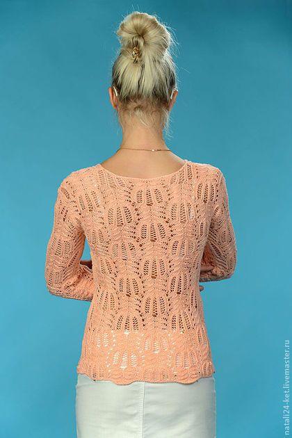 Купить или заказать блуза оригинальная ажурная в интернет-магазине на Ярмарке Мастеров. Ажурная кофточка связана спицами из турецкой пряжи хлопок 100%.Пряжа качественная,изделие мягкое,приятное к телу.Ажурный рисунок называется медвежьи лапки.Изделие ложится по фигуре,вывязана пройма.Рукава длинные.Меряю и на себя,мой размер 44-46,поэтому те,кто любит носить в обтяжку-это вещь для вас!