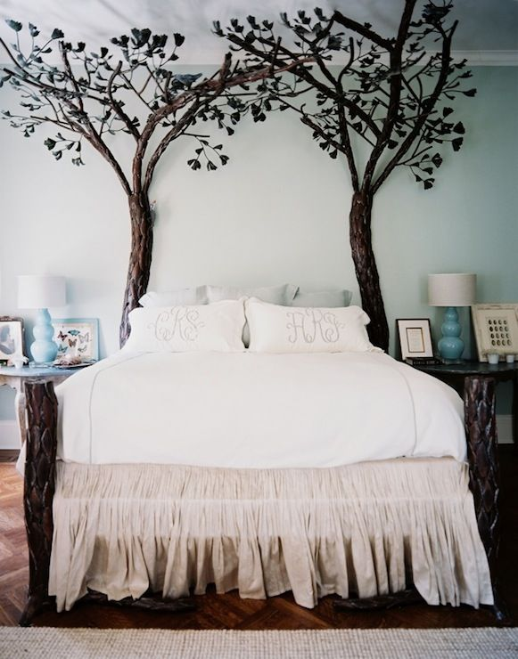 The bed looks 3-D: Decor, Romantic Bedrooms, Trees Beds, Beds Skirts, Dreams Beds, Interiors Design, Dreams House, Beds Frames, Bedrooms Ideas