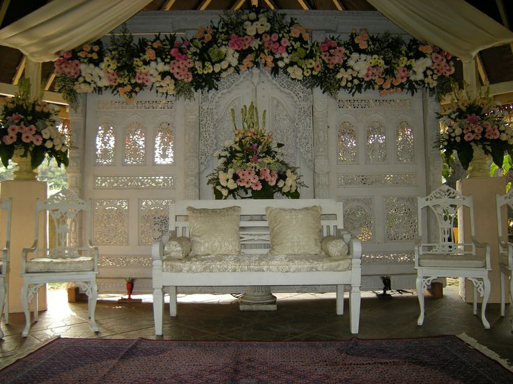 Gebyok Putih - javanese/sundanese wedding decoration