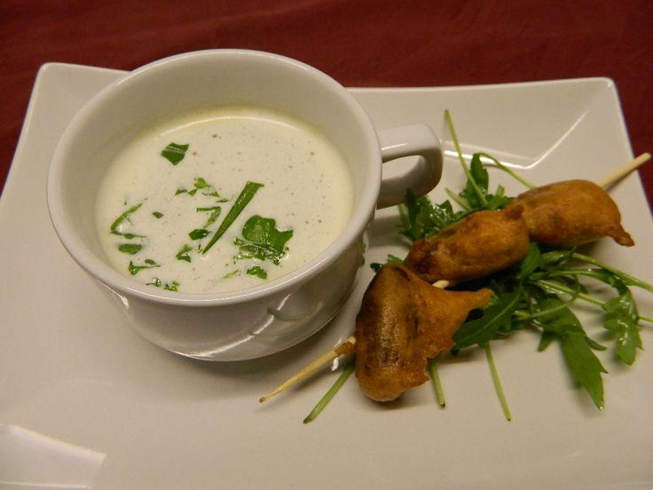 Tussengerecht: Soepje van zoete aardappel  met beignets van dadels en roomkaas
