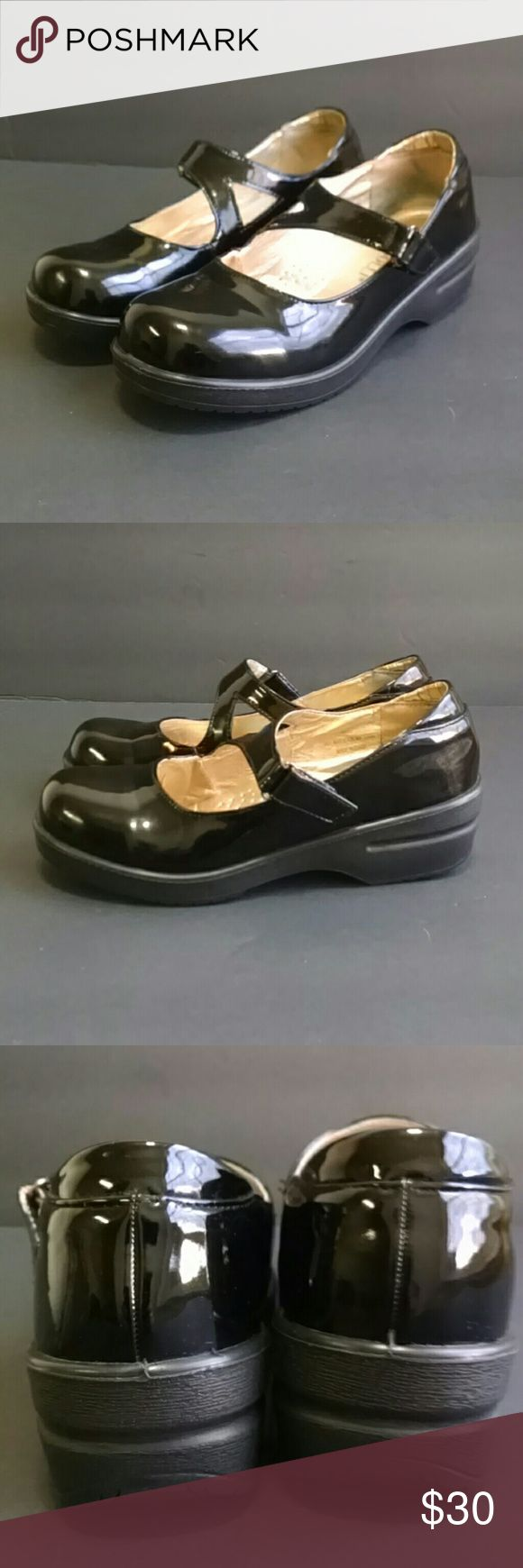 Rasolli Skid Resistant Women's mules size 7.5 Rasoli skid resistant women's mules size 7.5. Uppers in excellent condition and soles show no noticable wear. Rasoli Shoes Mules & Clogs