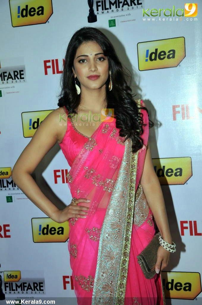 shruti hassan at south filmfare awards 2012 photos00