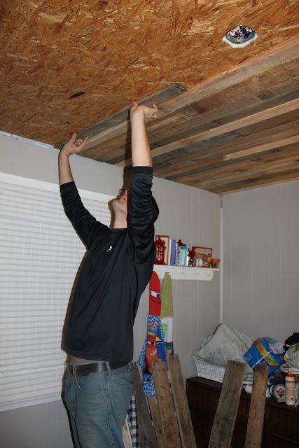 Rustic Pallet Wood Ceiling Tutorial....would love to do this in the living room?