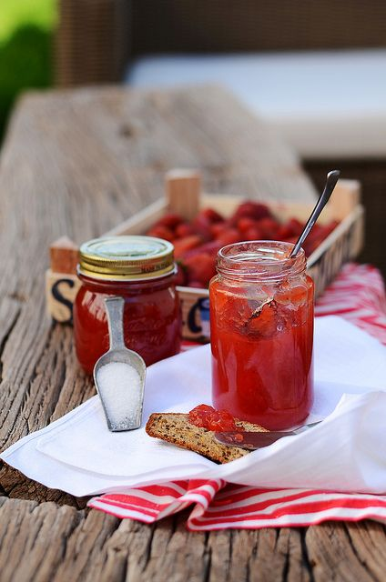 Strawberry & Ginger Marmelade: Homemade Jelly, Country Cottages, Diet Food, Gingers Marmelad, Healthy Eating, Gingers Marmalade, Healthy Food, Eating Healthy, Strawberries Gingers