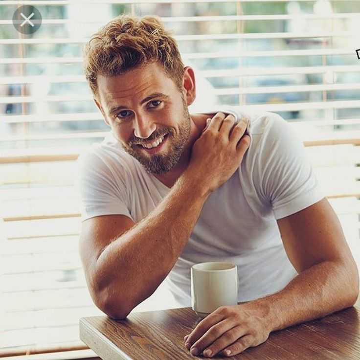 Nick Viall: I gave roses to four 'The Bachelor' bachelorettes I actually wasn't able to speak with Nick Viall has revealed four of the 22 roses he handed out during The Bachelor premiere went to women he didn't get to know much at all. #TheBachelor #DominiqueAlexis #JasmineGoode #ChrisHarrison #JaimiKing #AstridLoch #JadeRoper #LizSandoz #KristinaSchulman #NickViall @TheBachelor