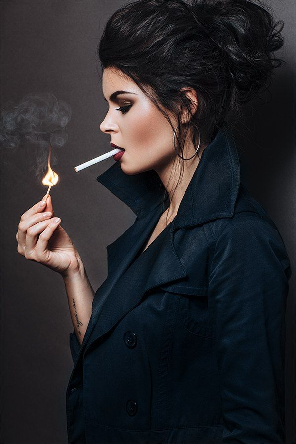 https://i.pinimg.com/736x/0d/b2/2a/0db22aa42e8112cb7eb872fe8eb61ca3--smoking-ladies-smokers.jpg