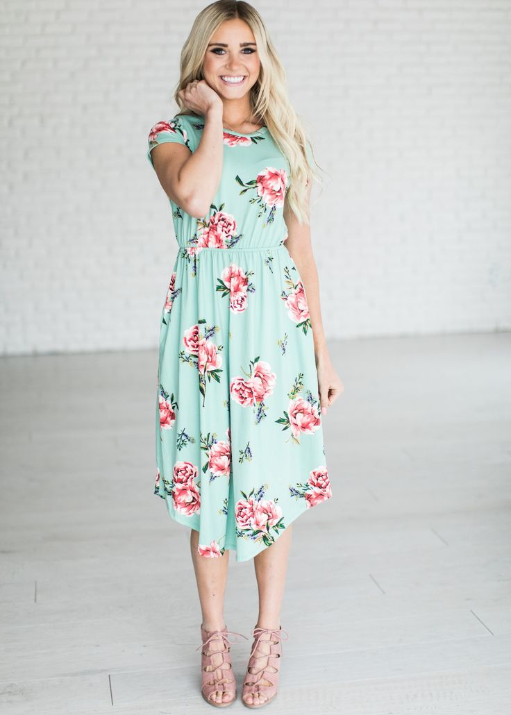 Beautiful floral midi dress – perfect for Spring!