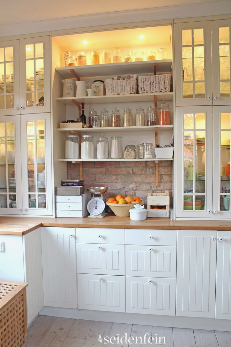 Love Eva's mix of open and closed storage, and glass-fronted cabinets | IKEA kitchen