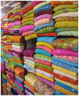 DESIGNWALI: Got some sari fabric lying around? Patchwork sari bedding