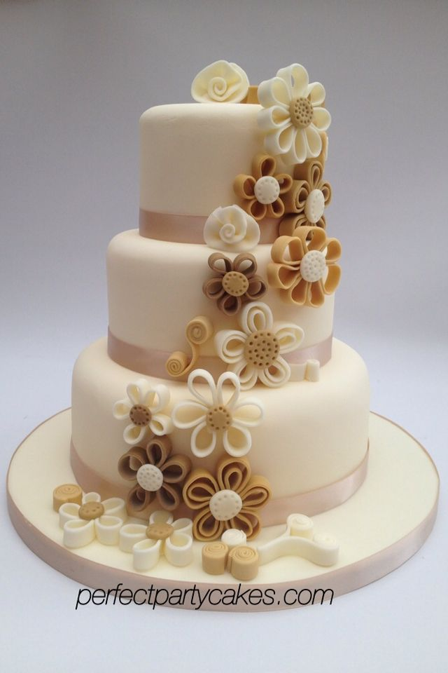 Quilled flower wedding cake. I love this cake and the colours!