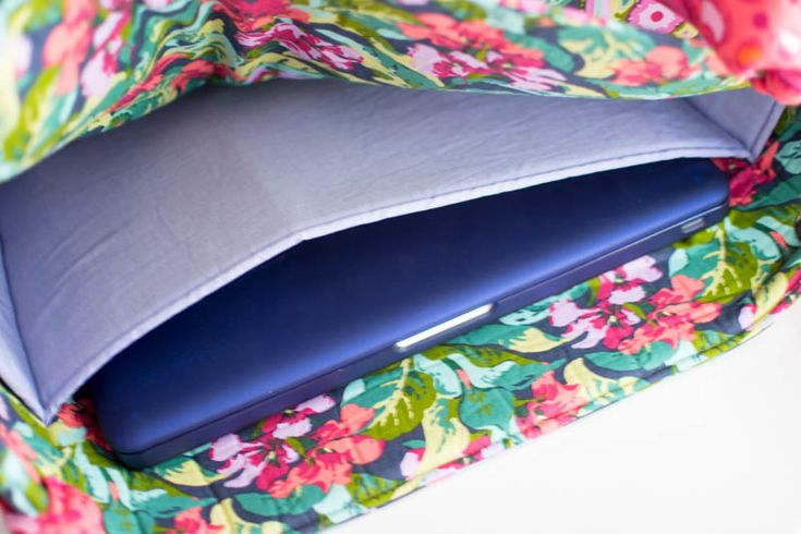 Add a Laptop Pocket to any Tote Bag Pattern {free tutorial} — SewCanShe | Free Daily Sewing Tutorials