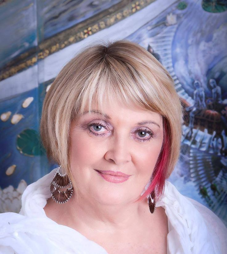 Melanie Crawford is a Reader at Pink Lotus Giftware, generally on Saturdays.  Medium - Clairvoyant - Healing Channel - Aura Cleansing. To Book: 07 5571 2599