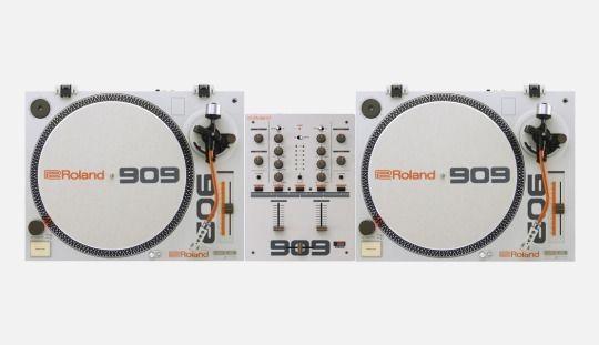 Roland / TT-99 & DJ-99 / Turntable & Mixer / 2016