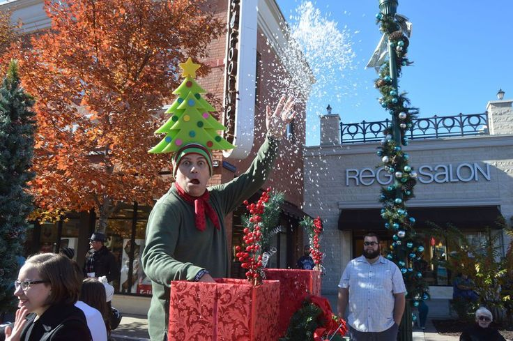 """Christmas festivities begin in Branson Even though we're only a day or so removed from Halloween, Ozark Mountain Christmas gets into full swing this week with holiday shows opening up and down """"The Strip,"""" the """"Most Wonderful Time of the Year Parade,"""" drive-thru light displays and Silver ... #christmaslight"""