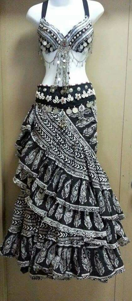 Ok this is the best looking gypsy skirt I've seen so far.  Potential skirt for Fortune Teller costume for Friday night Circus Theme Party @ CoCo 2016