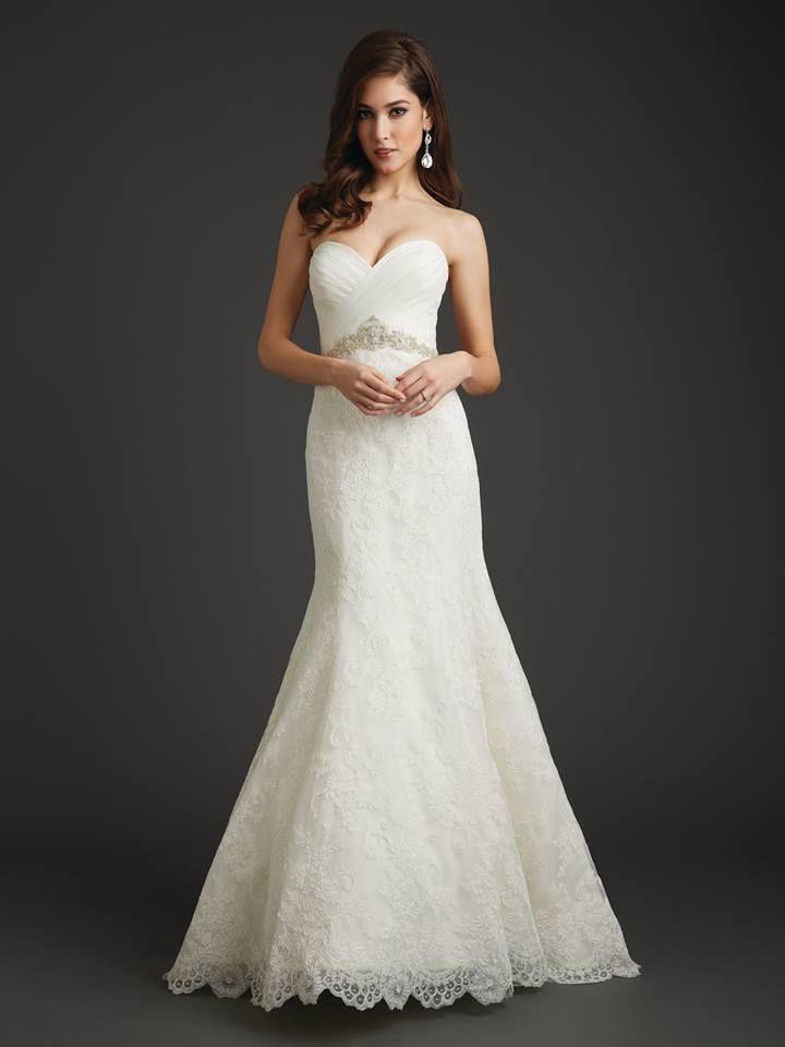 Wedding Themes | Black & White | Wedding gown | Bridal dress | Strapless | Fish tale | Allure Bridals |