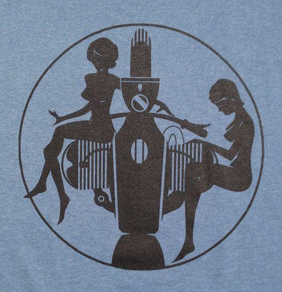 BMW Airhead Motorrad Pinup Girl Mädchen blau T-shirt von nealart