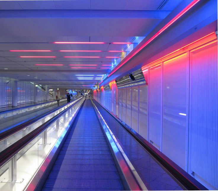 https://flic.kr/p/moYTE4 | Futuristic lighting at Franz Josef Strauß airport, Munich, Germany | Munich's airport, Franz Josef Strauß Flughafen, named after the former Bavarian Prime Minister, is Germanýs second largest airport. It's located an hour outside the city center, close to the village of Erding, Airports are usually pretty dull places, and Munich is - although very efficient and well-organised - no exception, but this lighting, however, definitely makes it more visually appealing...
