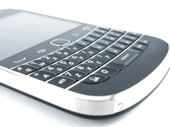 The BlackBerry Bold 9900