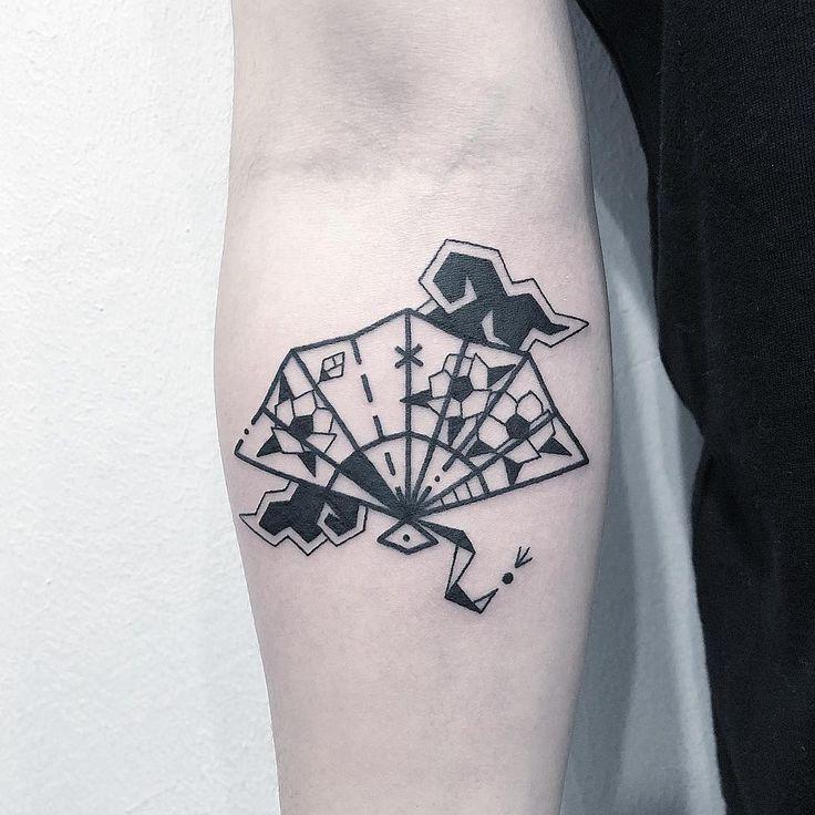 e i i i i i e e i i e e i i e e i i i i e i i i e i i e e e e i i tattoo design drawing