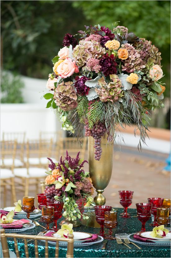 Red And Gold Spanish Wedding Ideas 꽃꽂이