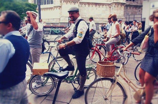 Tweed Ride a Milano: pedalare con stile a tutto vintage