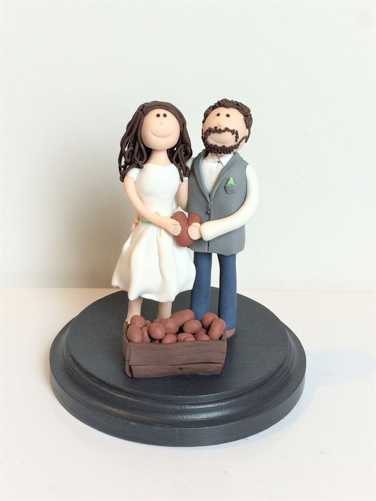 Individuelle Tortenfigur Fur Die Hochzeitstorte Www Suessesatelie Brautpaar Torten Figuren Tortenfiguren Hochzeitstorte
