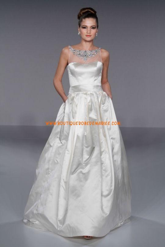 Robe de mariée pas cher en taffetas col bateau bijoux