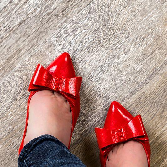 red flooring laminate 12 best elevae distressed lamiante images on pinterest laminate
