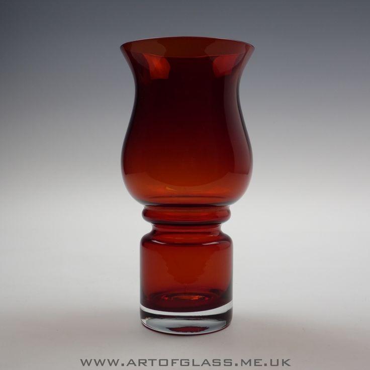 Riihimaki ruby Tulppaani glass vase by Tamara Aladin Finland