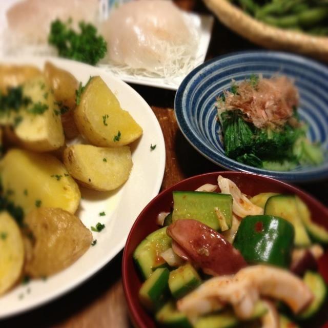 じゃがいもをオーブンで焼いたら、また違った美味しさ。 - 7件のもぐもぐ - 胡瓜とタコの豆板醤あえ、じゃがいもオーブン焼き、水菜おひたし、ヒラメ刺身、枝豆 by raku0dar