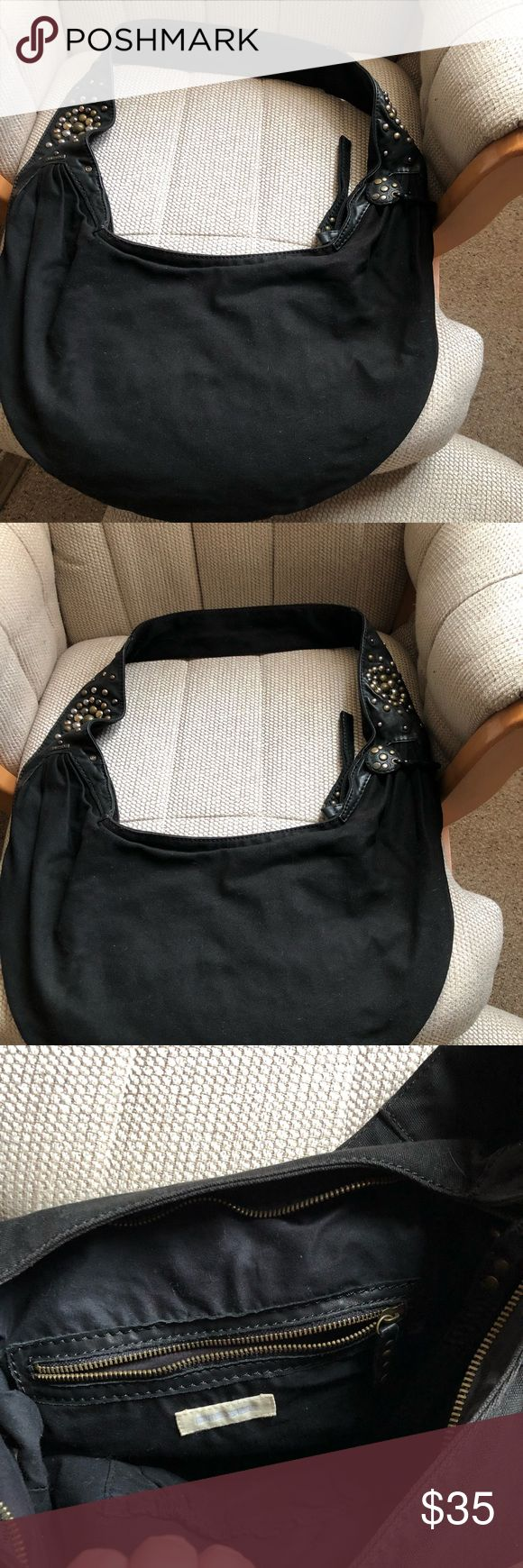 Diesel Cross Body Canvas Bag Light weight fashion diesel crossbody canvas bag.            Pre-Owned in Great Condition! Diesel Bags