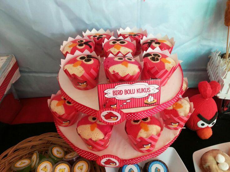 Bolu kukus angry birds