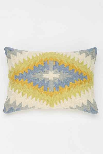 Throw Pillows Urban Outfitters : 17 Best images about kilim pillows on Pinterest Urban outfitters, Wool and Kantha quilt