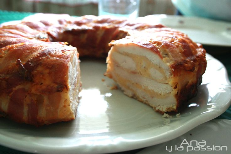 Cheesy chicken breast cake. Super simple not only for festive tables by Ana y la passion