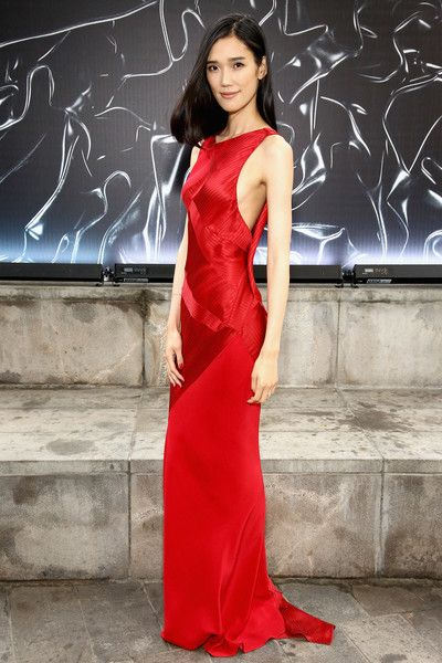 Model Tao Okamoto attends the 2016 Fragrance Foundation Awards presented by Hearst Magazines on June 7, 2016 in New York City.