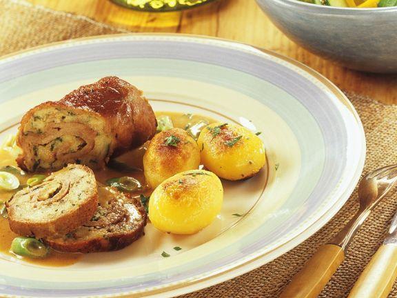Kalbsrouladen mit Kartoffeln ist ein Rezept mit frischen Zutaten aus der Kategorie Kalb. Probieren Sie dieses und weitere Rezepte von EAT SMARTER!